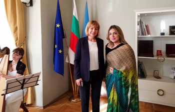 Ambassador Pooja Kapur met with the Mayor of Sofia, Ms. Yordanka Fandakova at a reception hosted by the latter on 14 November to mark the festive season