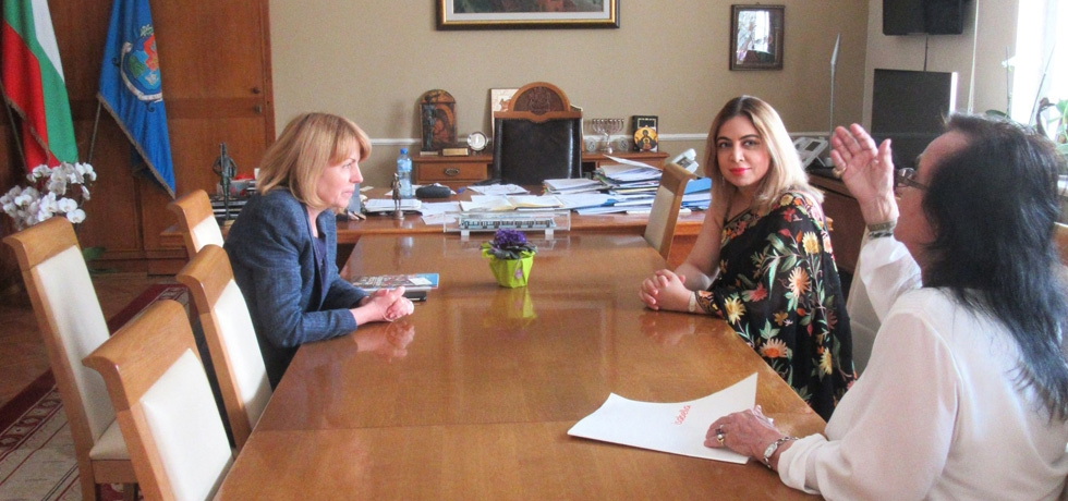 Ambassador Pooja Kapur met Mayor of Sofia Ms. Yordanka Fandakova on 27 April 2018 to discuss initiatives that would bring the people of Sofia and India closer.