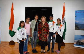 Ambassador Pooja Kapur met a group of young Indian skaters led by Ms. Rashmi Chouksey and Gauri Rai, Indian National Figure Skaters, who were on a visit to Bulgaria to attend a Figure Training Camp in Varna.