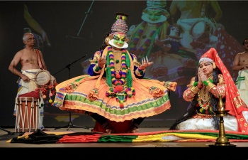 An ICCR-sponsored Kathkali dance group led by Shri Rajashekharan Madhava Kurup enthralled audiences with its majestic performances as part of the 5th International Yoga Day celebrations in Sofia, Plovdiv, Pernik & Skopje.
