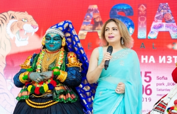 India had a standout presence at the 3rd Asian Festival in Borisova Garden with Kathkali, Yoga, Bhangra and a stall showcasing handicrafts, henna application, sari tying, cuisine, etc
