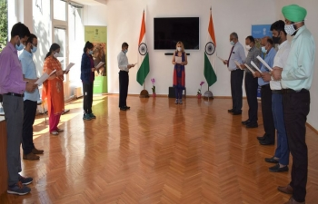 The Sadbhavana Diwas Pledge  was administered by Ambassador Pooja Kapur, in Hindi and English, to all India-based officers and staff on 20.08.2020
