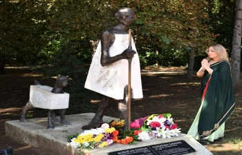 On Gandhi Jayanti, floral tributes were paid at Mahatma Gandhi's statute in South Park, Sofia