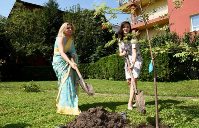 H.E. Ms. Mariya Gabriel, EU Commissioner for Innovation, Research, Culture, Education and Youth. planting a tree at the Embassy on the occasion of India's 74th Independence Day.